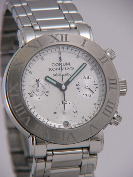 Corum Romulus Chronograph 285.701.20.V600CM64