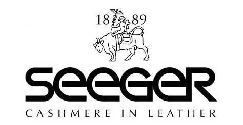Jedes Stück der SEEGER Kollektion ist in meisterlicher Handwerkskunst  gearbeitet. Der SEEGER Feintäschner bürgt dafür mit seinem persönlichen  Signet, das Sie in Ihrem Produkt vorfinden.